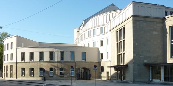Opernhaus und Umfeld